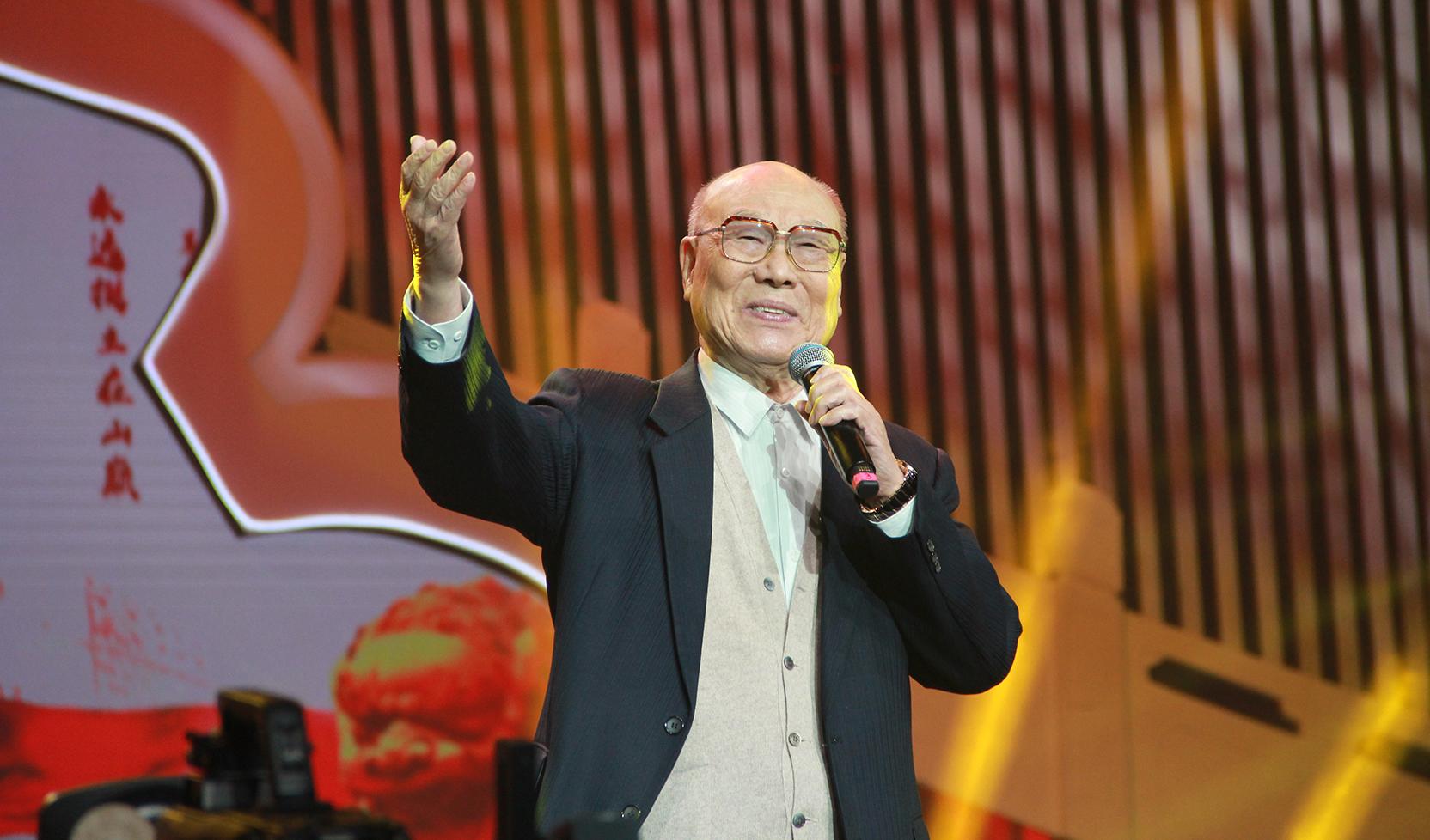 """大好河山2020北京""""最美夕阳红""""新年晚会 歌曲《革命人永远是年轻》刘秉义"""